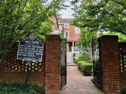 Mary Todd Lincoln home (Lexington)